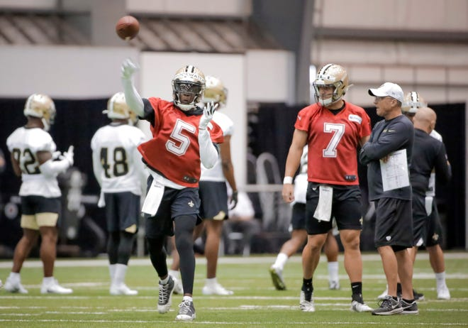 New Orleans Saints quarterback Teddy Bridgewater (5) throws a pass during a minicamp session Tuesday at the New Orleans Saints Training Facility.