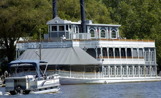 The Michigan Princess is one of two river boats in Lansing region which offers tours of the Blackwater River. It can accommodate up to 500 people.