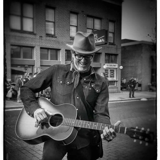 BR549 co-founder Chuck Mead returns to his honky-tonk roots with a weeklong Nashville tour