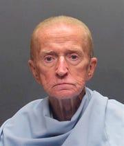 Robert Francis Krebs, de 81 años.
