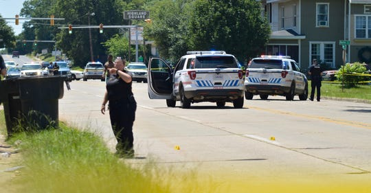 Shreveport police investigate shooting in the 400 block of Stoner Avenue.