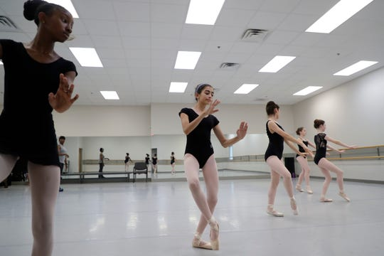 Lauren Anderson leads a group of dancers during the Tallahassee Ballet's 2019 Summer Intensive Turning Pointe Series.
