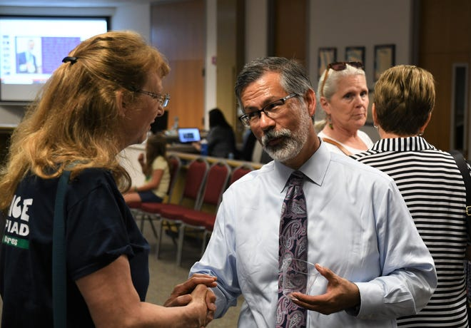 Parents, students and Visalia Unified staff flooded the district's building to bid farewell to outgoing Superintendent Todd Oto on his final day.