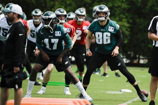 Philadelphia Eagles' Alshon Jeffery (17) and Philadelphia Eagles' Zach Ertz (86) run a drill at the NFL football team's practice facility in Philadelphia, Wednesday, June 12, 2019.