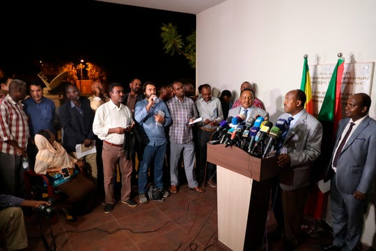 Special envoy of the Ethiopian Prime Minister Ambassador Mahmoud Dreir speaks to the press at the Ethiopian embassy in Khartoum.