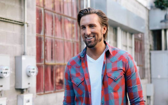 JD Shelburne will perform at FridayFest at Highview Park June 28