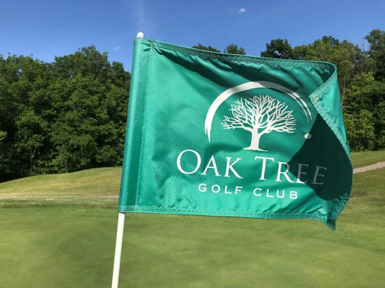 Overall, Oak Tree Golf Club is a great course for beginners and veteran golfers. There are some shorter Par 4s that allow the beginners to score well while also adding some longer Par 5s for those more advanced golfers to play a challenge.