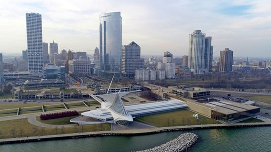 The Milwaukee Art Museum is among recipients of $1.4  million in grants to local cultural attractions by the Northwestern Mutual Foundation.