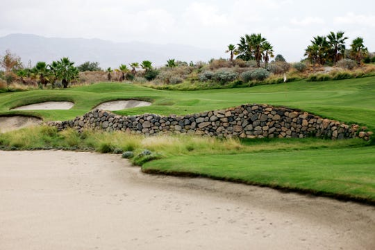 The 11th hole at Eagle Falls Golf Course  in Indio. (Marilyn Chung/The Desert Sun)