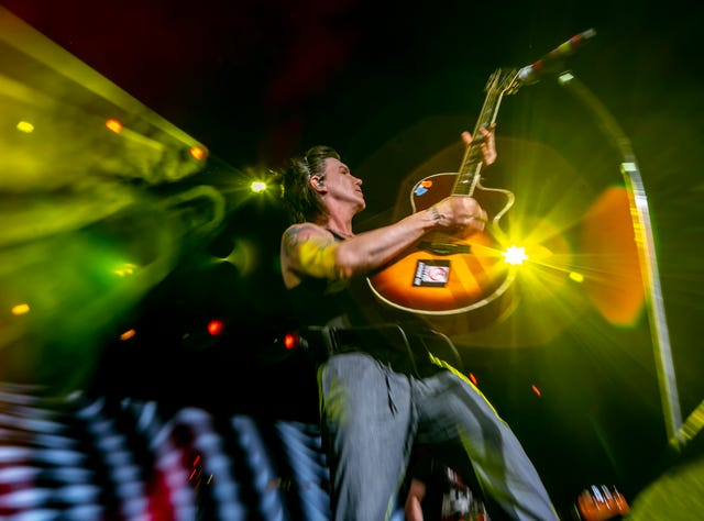 Concert review: Train took a victory lap in Phoenix show