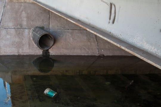 Utilizar el sistema de drenaje para intentar cruzar a EEUU puede ser mortal.