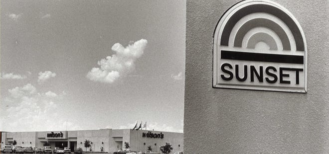Sunset Mall's original logo out in front of the entrance.