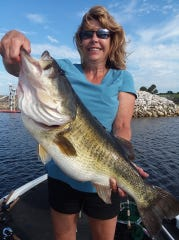 Ohio angler Gail Kostelek caught and released this large Lake Okeechobee bass fishing with a wild shiner with Capt. Nate Shellen.