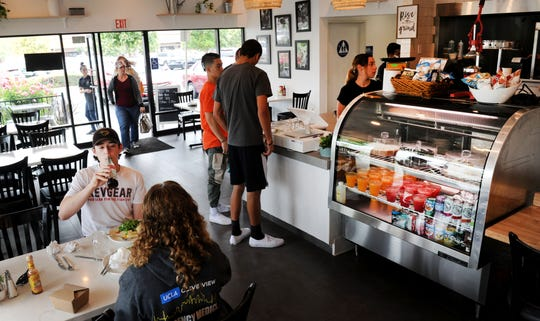 Braxton's Kitchen in Camarillo had a constant flow of customers.
