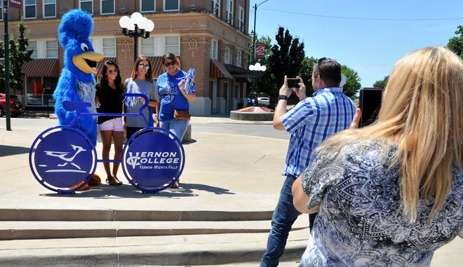 Downtown Wichita Falls Development with Vernon College unveiled the latest sculptured bike rack Thursday after noon at the corn of 8th at Ohio Street.