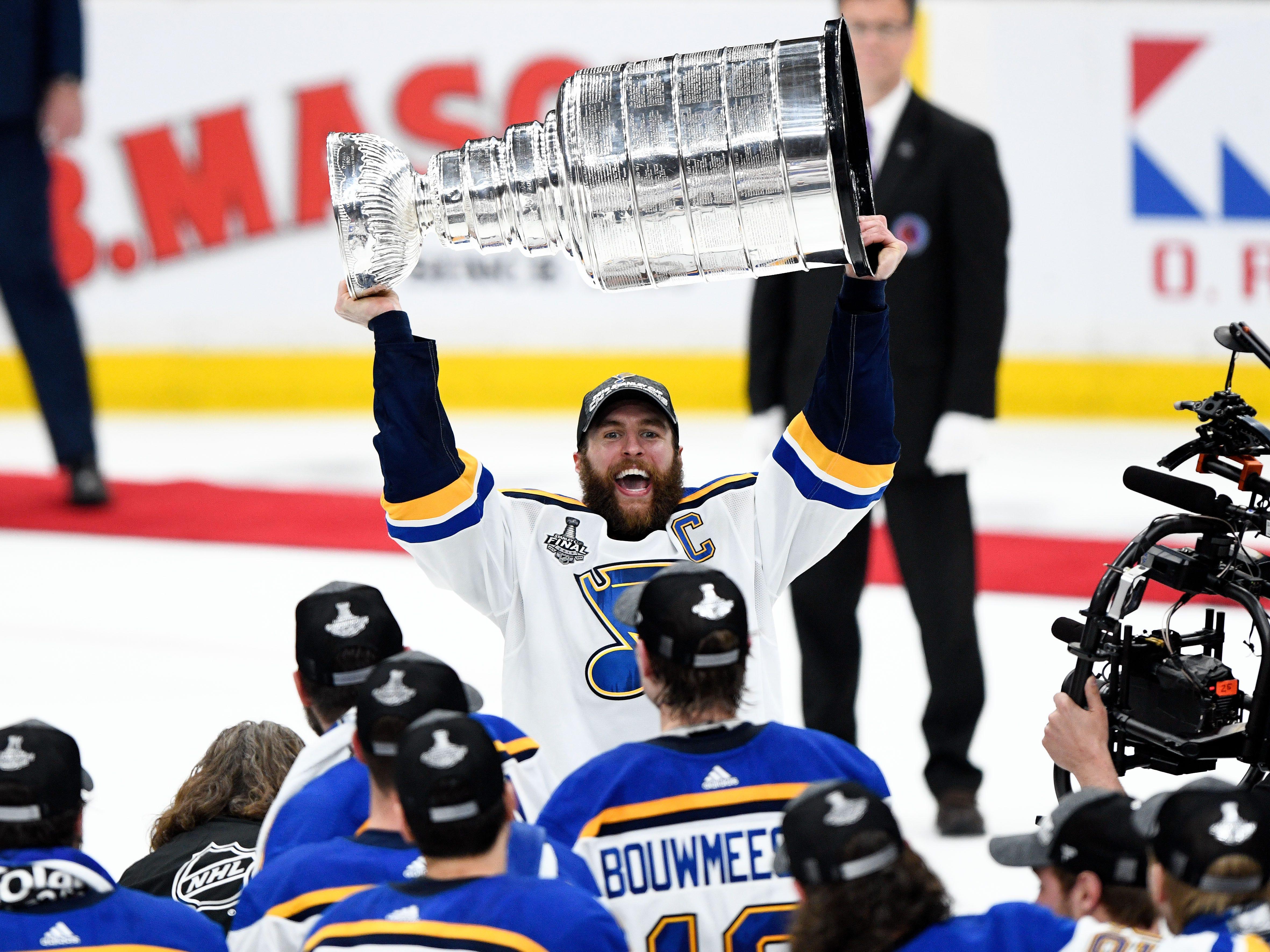 Stanley Cup: Blues fan wins $100K as St. Louis beats Boston on