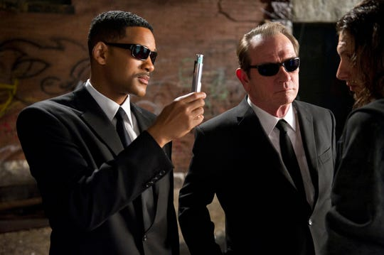 "Your memories have not been erased: Will Smith and Tommy Lee Jones did star in the ""Men In Black"" franchise."