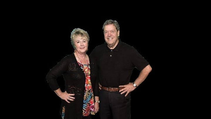 WHO radio morning hosts Van and Bonnie enshrined in Iowa Broadcasters Hall of Fame