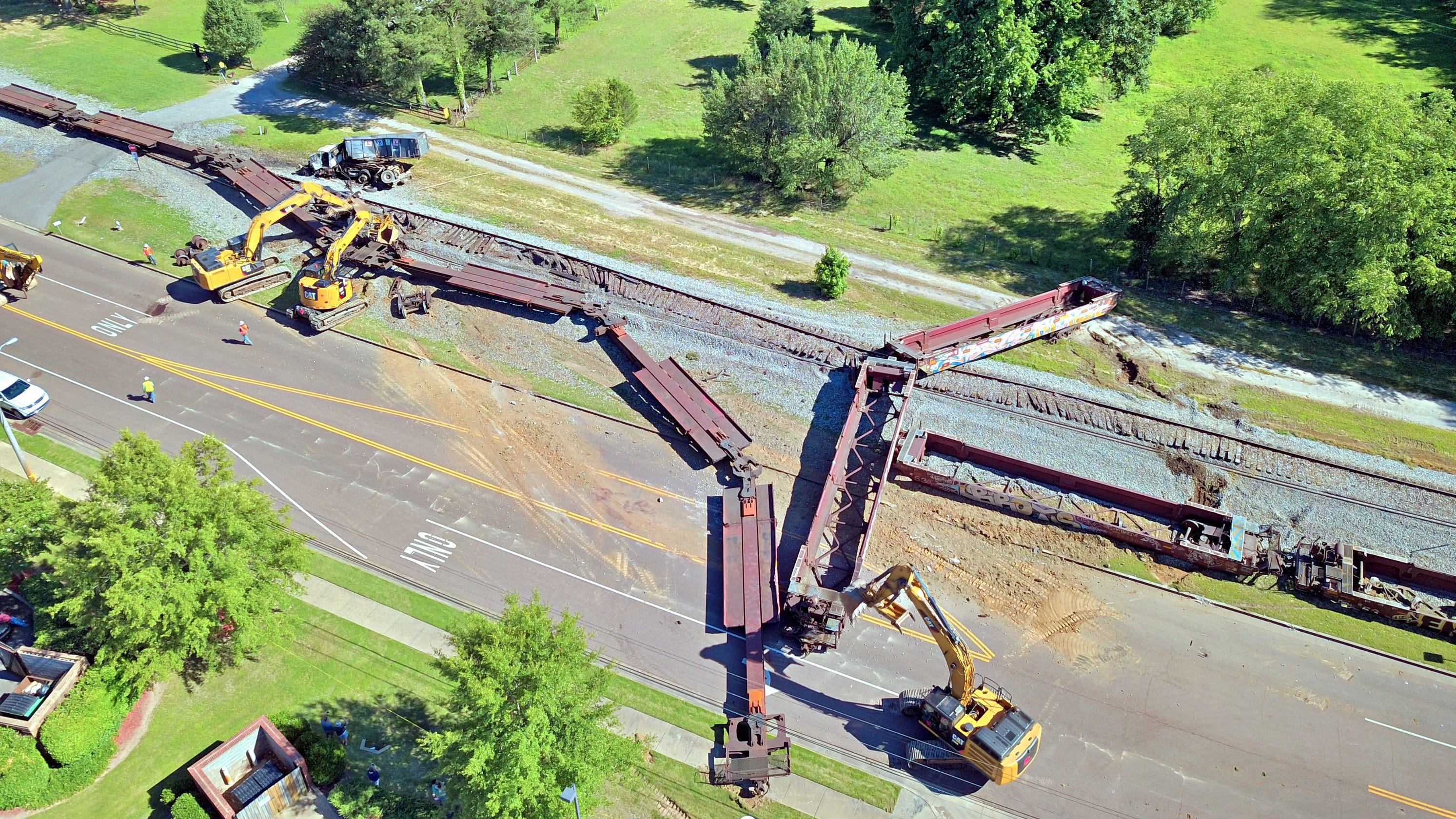 Train derailed in Germantown at Poplar Pike and Forrest Hill