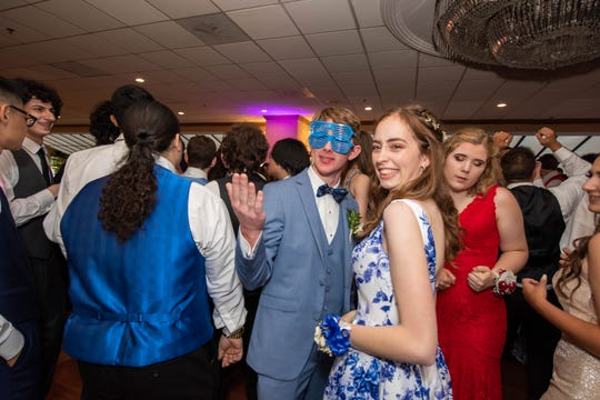 Raritan High School Prom at The Jumping Brook Country Club. Photo/ James J. Connolly/Correspondent