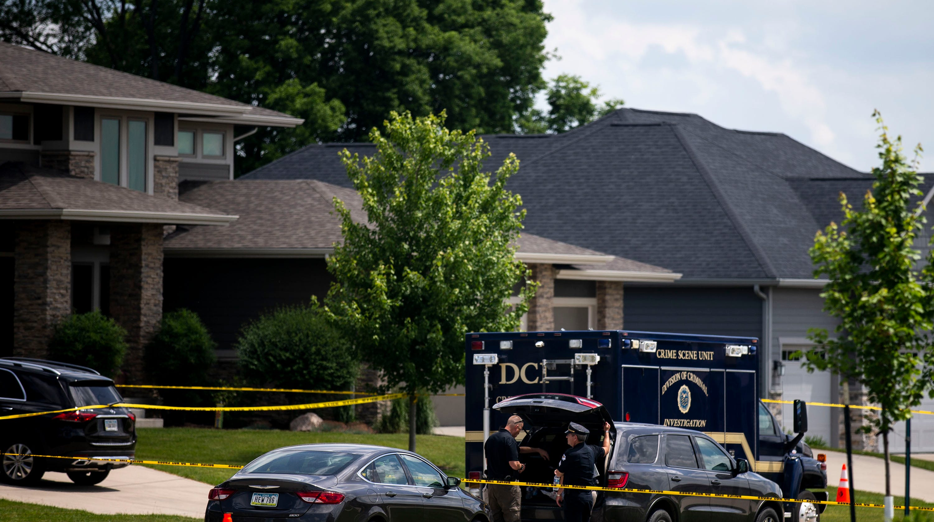 Iowa shooting deaths: Man killed self, and wife and kids