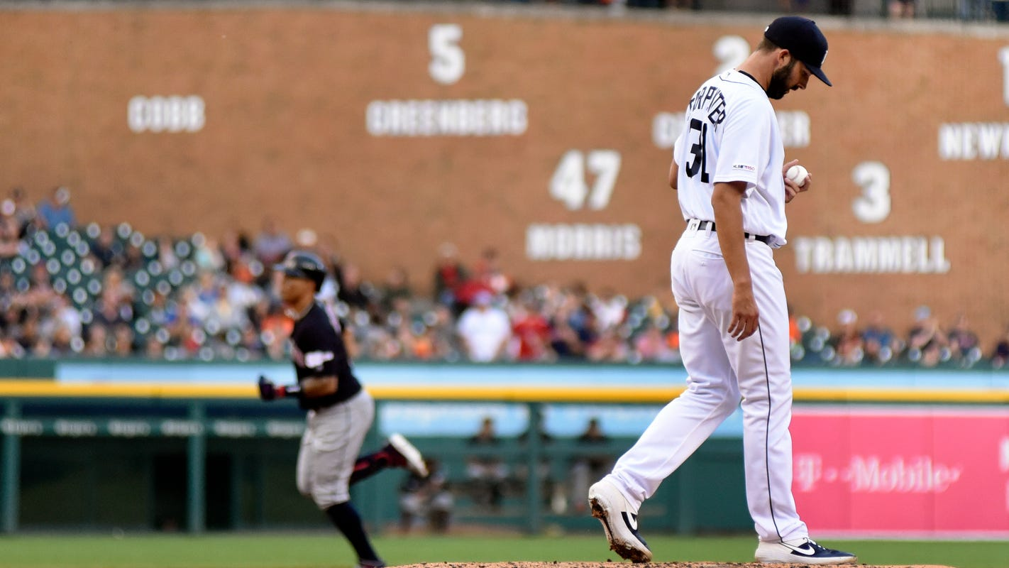Bauers' cycle leads Indians to series-opening rout of Tigers