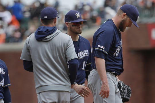 Giants 9, Brewers 8: Pitchers spring too many links in dispiriting loss