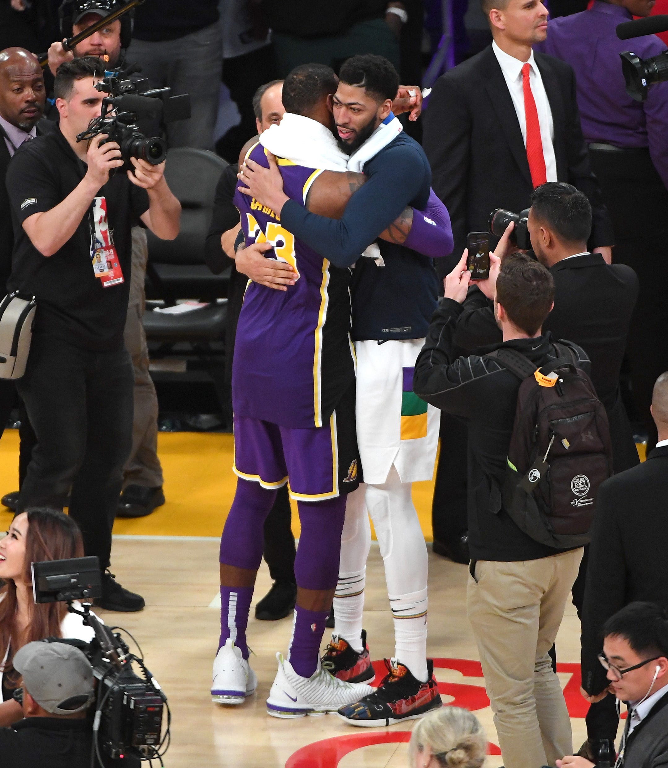 Anthony Davis to the Lakers: Winners and losers of the blockbuster deal