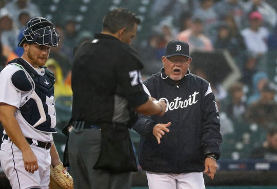 Detroit Tigers manager Ron Gardenhire, right, argues with home plate umpire Manny Gonzalez in the sixth inning.