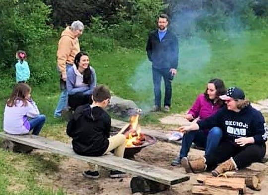 When the moon rose too late for viewing, Turkeyfoot Folk School attendees opted for a marshmallow-roasting campfire recently at Harvest Preserve Foundation in Iowa City.