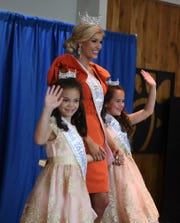 The Miss Tennessee Volunteer Scholarship Pageant meet and greet was held at the Old Hickory Mall on Sunday, June 16. The contestants, along with their Iris Princesses, signed autographs for members of the public.