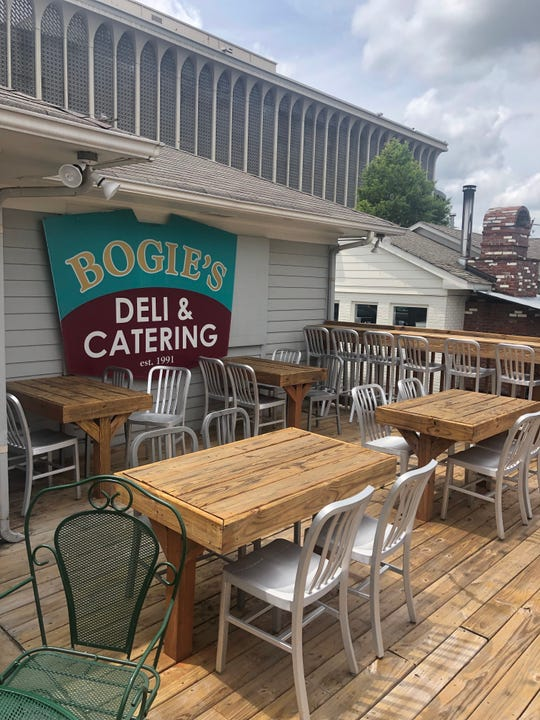 Bogie's has added a 30 seat outdoor patio to their new East Memphis location on Brookhaven Circle.