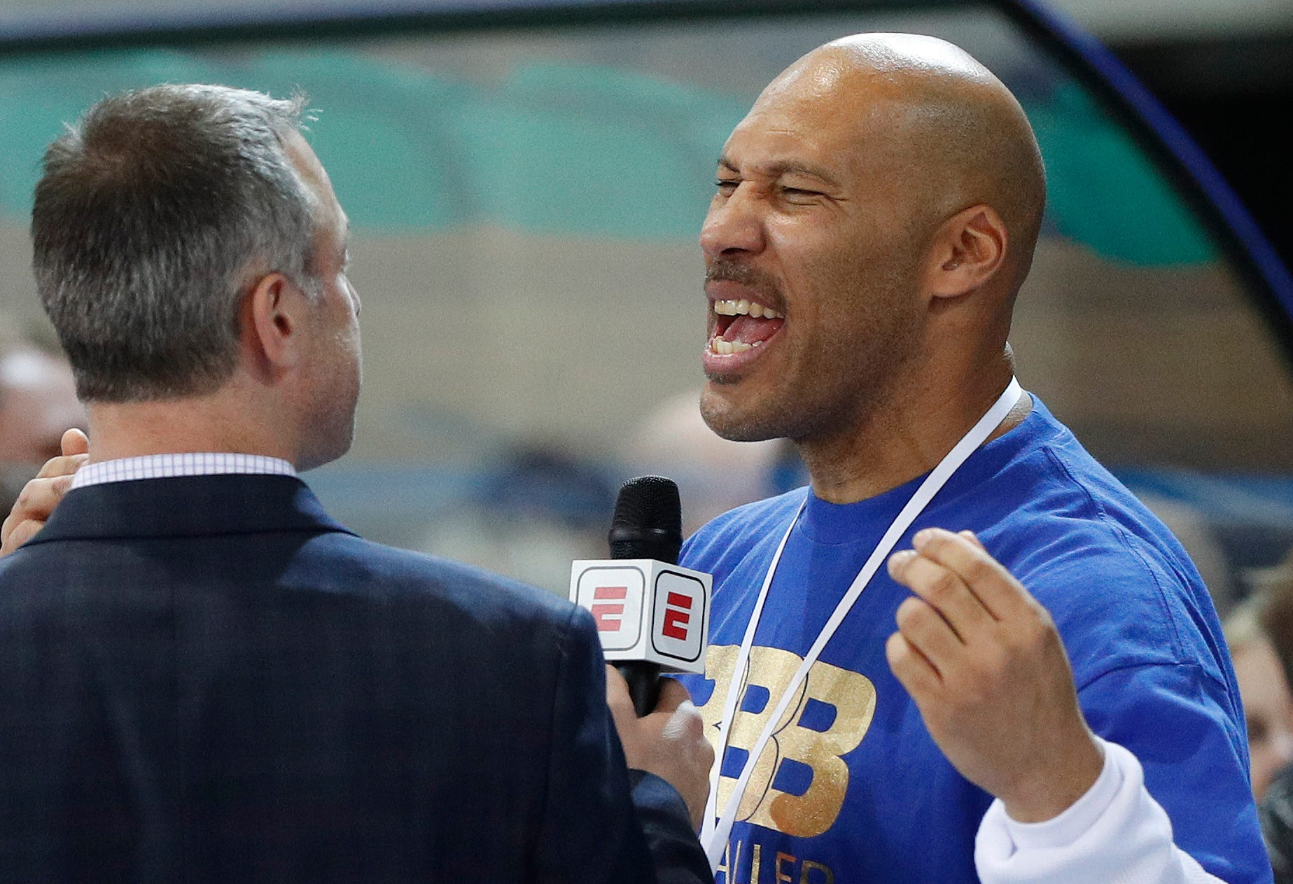 LaVar Ball guarantees Lakers will never win another title after Lonzo included in Anthony Davis trade