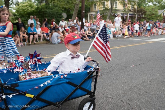 Red, white and blue are in fashion at Riverton's 4th of July parade.