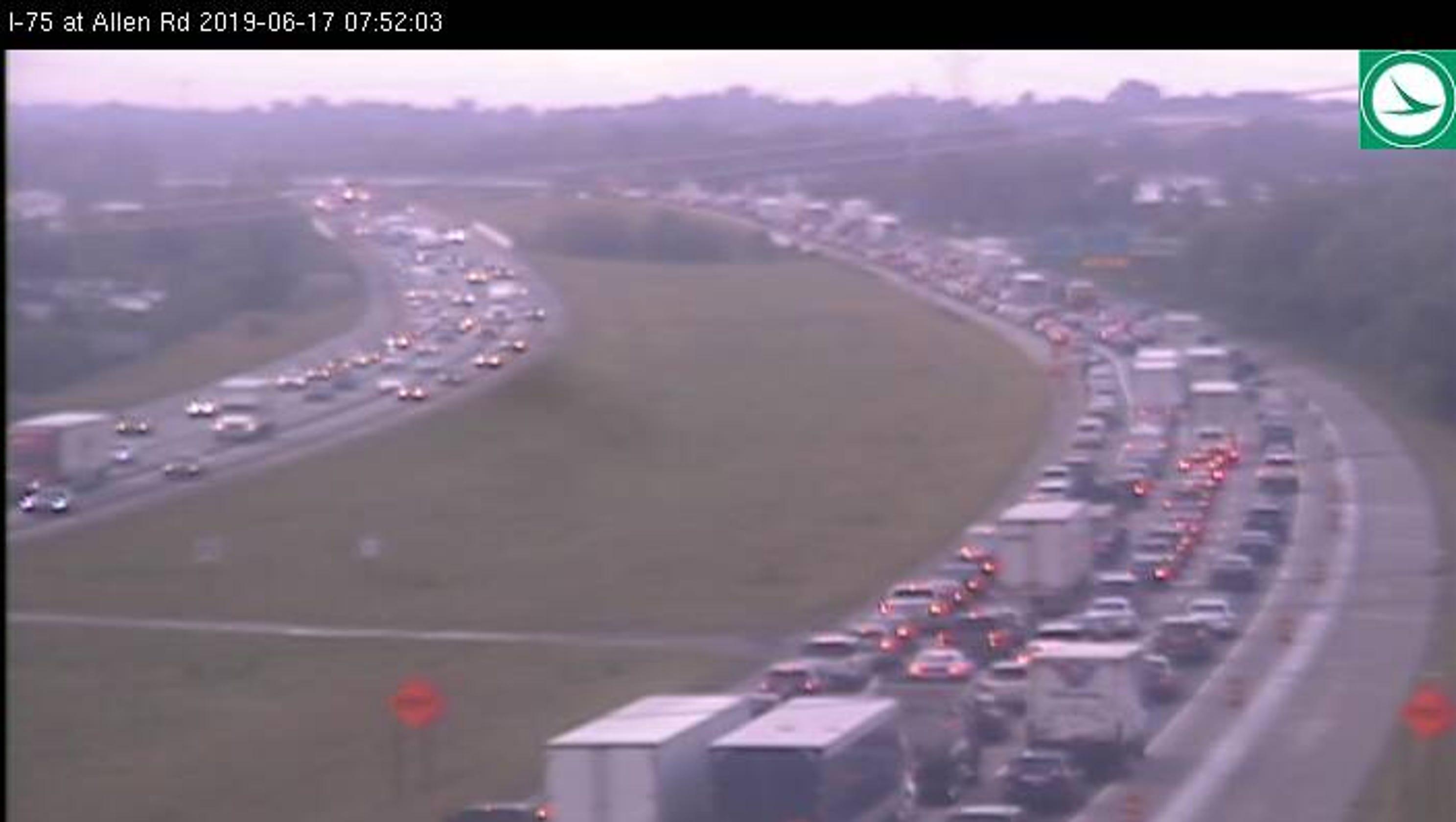 Update: Some lanes open after crash closes SB I-75 at I-275