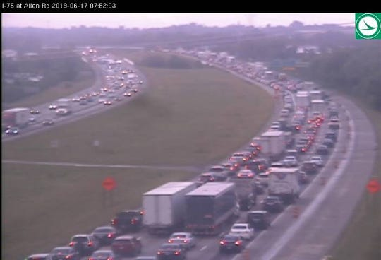 Update: Some lanes open after crash closes SB I-75 at I-275