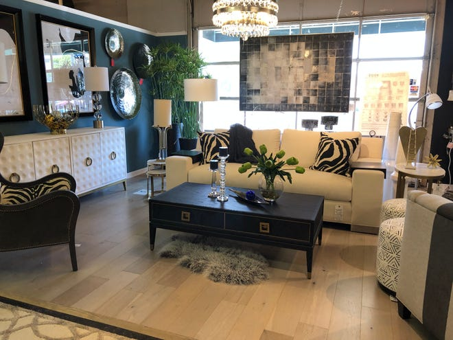 Like other summer trends, black and white décor features a classic blend that transcends the season.