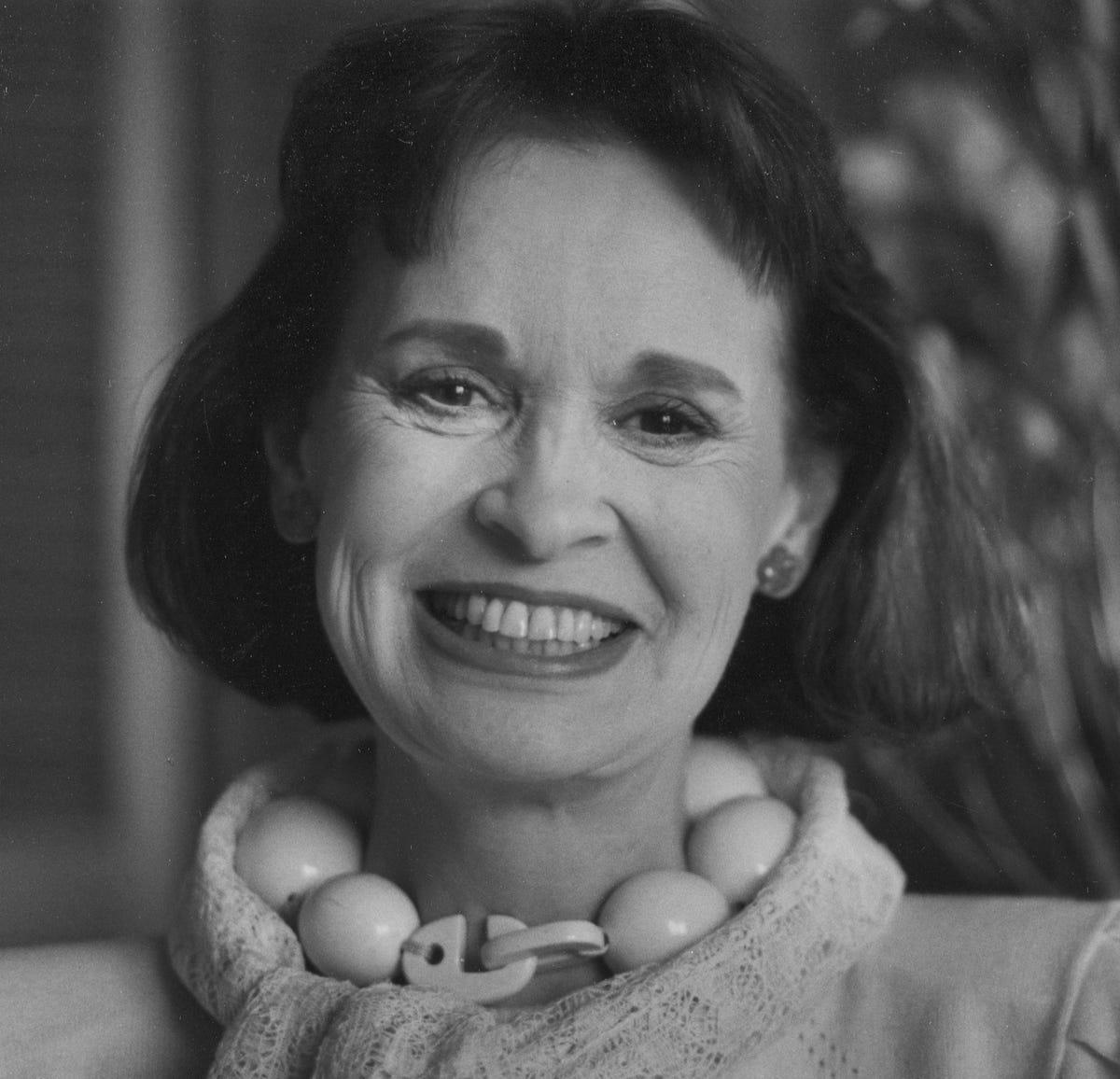 Gloria Vanderbilt, heiress, jeans queen, dies at 95