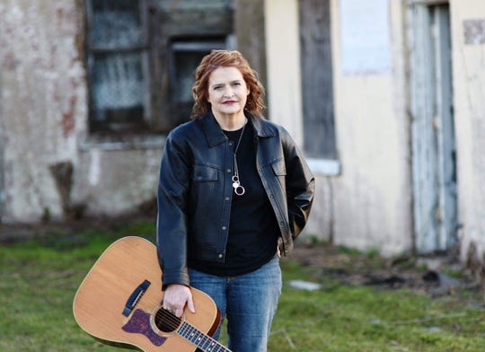 "Montgomery singer/songwriter Lisa Busler is going to Nashville to record her song ""Baltimore Wind"" in July."