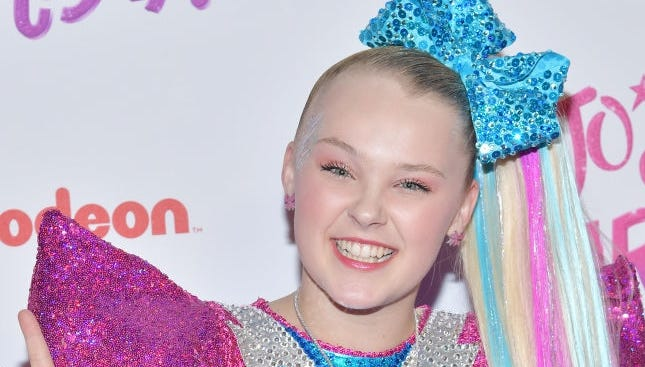 Jojo Siwa Youtube Superstar Comes Out As Part Of Lgbtq Community