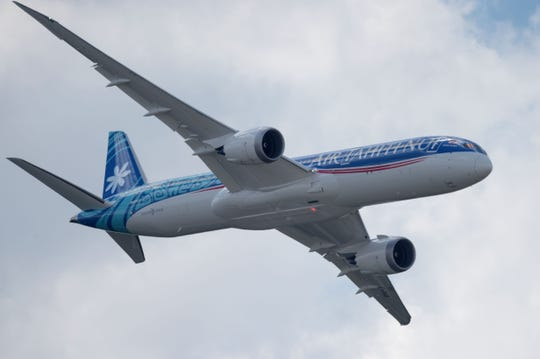 Boeing lands $6.3B order for 787 Dreamliner planes as 737 Max remains grounded