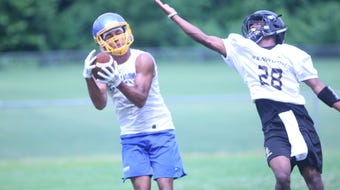 Watch our video highlights of Kenwood's 7-on-7 competition against Clarksville Academy.