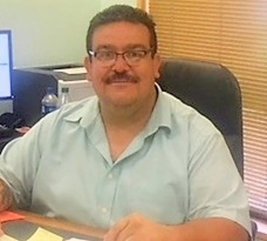 Ruidoso Village Manager Tim Dodge reviewed each position in the village and the associated authority.