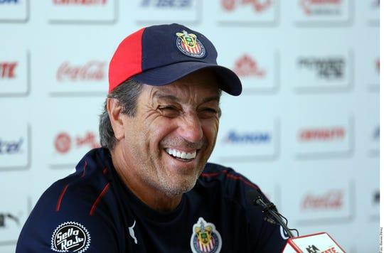 Tomás Boy, entrenador de Chivas.