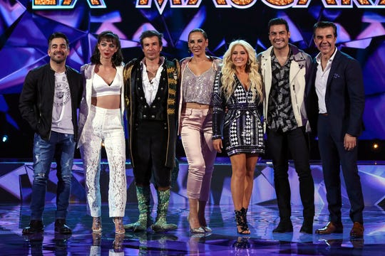 Omar Chaparro, Natalia Téllez, Miguel Ángel Fox, Consuelo Duval, Yuri, Carlos Rivera y Adrián Uribe forman parte del proyecto.