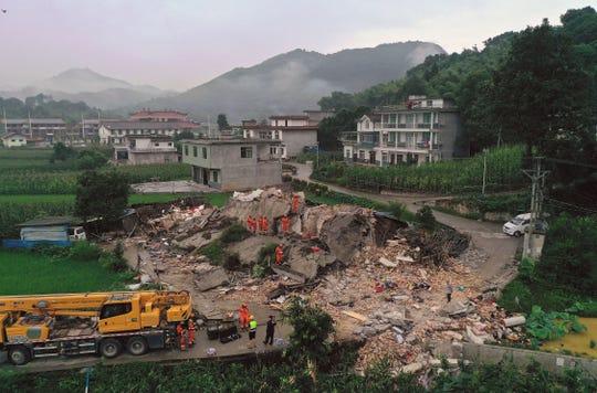 El sismo derrumbó 73 casas en la ciudad de Yibin, China.