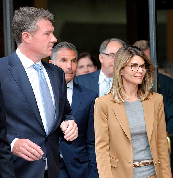 Lori Loughlin, other parents in college admissions scandal face trial in 2020