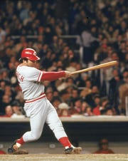 Johnny Bench led off the 10th by reaching first on an error, which led to the Reds winning a miraculous comeback against the Chicago Cubs.