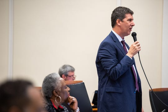 Bob Mendes speaks during a Nashville Metro Council meeting on June 18.
