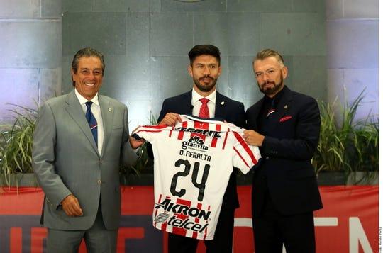 Oribe Peralta es presentado oficiamente como nuevo refuerzo de Chivas.